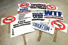 rally-signs-1025x676
